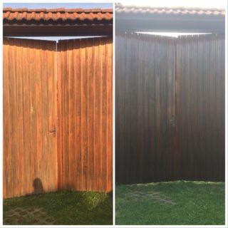 Nátěr dřevěných vrat