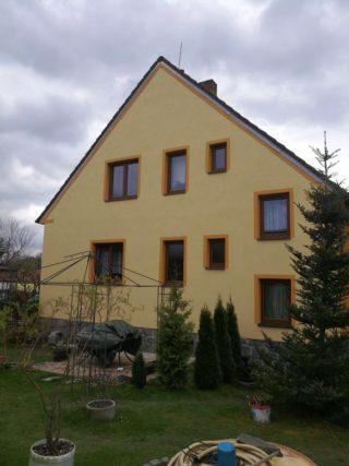 Nátěr fasády včetně rámečků okolo oken