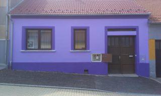 Nátěr sytě barevné fasády